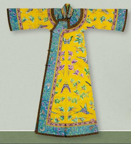 光緒皇后的襯衣。圖片來源:康樂及文化事務署