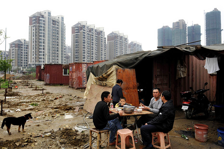 中國收入分配嚴重不均,加劇貧富懸殊現況。 圖片來源:路透社