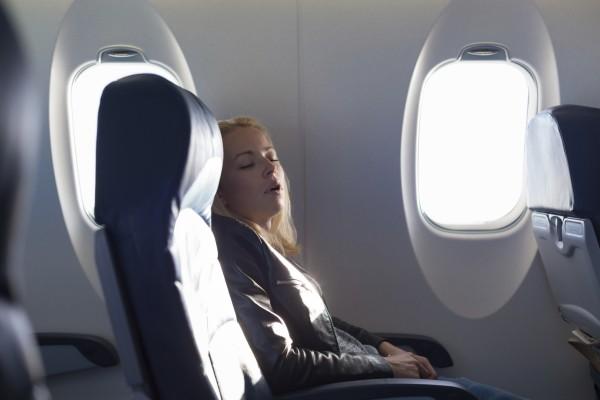 專家認為,靠窗而坐,旁邊難有「吉位」,若你也能「獨霸武林」,可謂相當幸運。