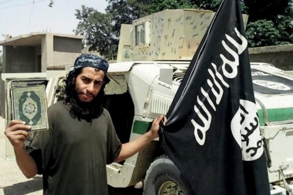 Abaaoud ,摩洛哥裔比利時人,曾於敘利亞激進組織接受訓練,參與策劃 2015 年 11 月巴黎襲擊事件。 圖片來源:ISIS
