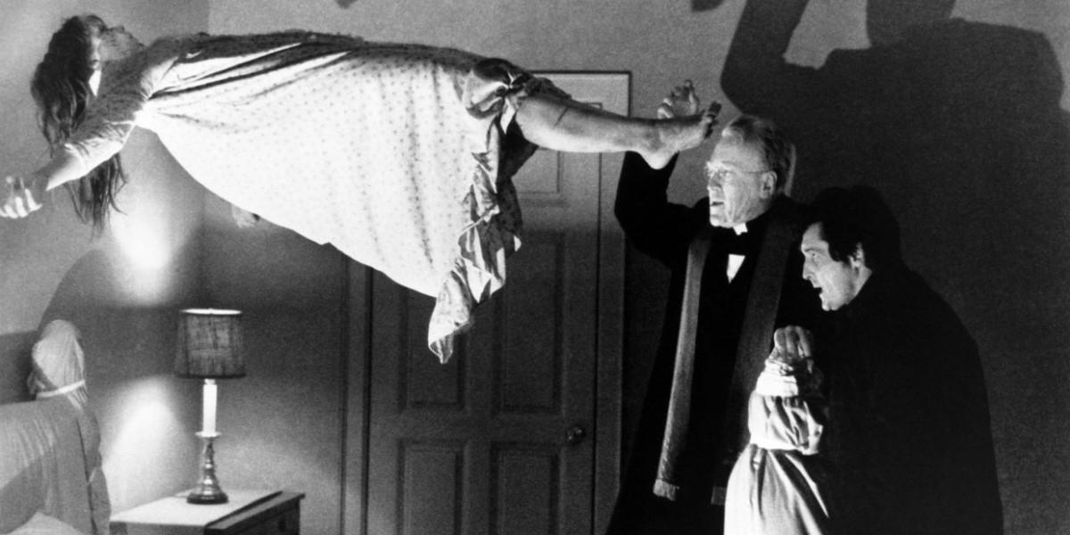 意大利天主教的驅魔工作或後繼無人,因年輕神父不感興趣或感害怕。 1973 年電影「驅魔人」劇照