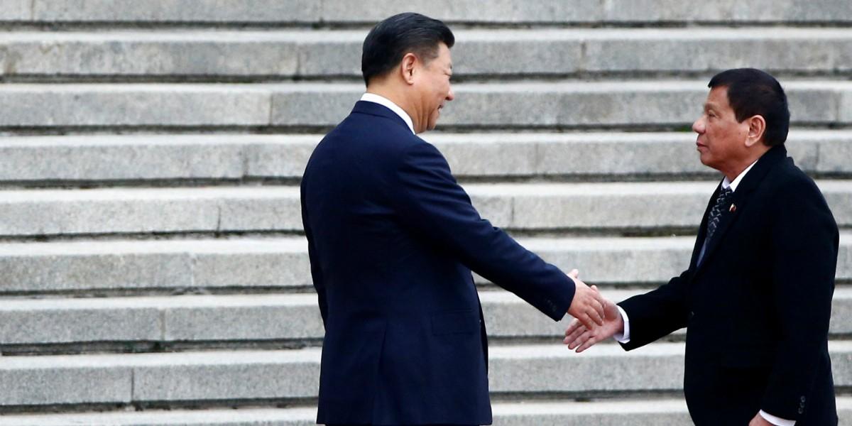 菲律賓隨時琵琶別抱,背離美國,轉投中國懷抱。 圖片來源:路透社