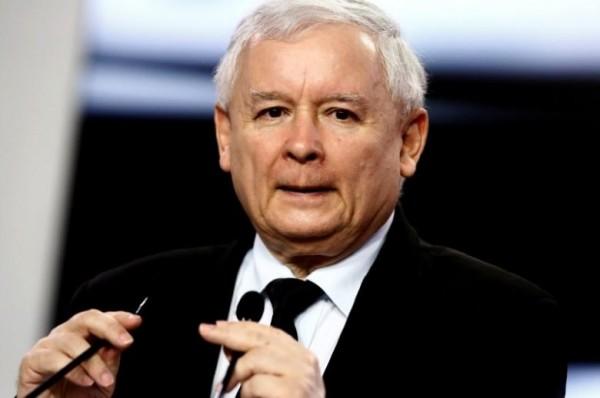 Jaroslaw Kaczynski 宣布成立特別委員會,跟進歸還物業的問題,但被質疑藉此爭權,踢走敵黨。圖片來源:路透社