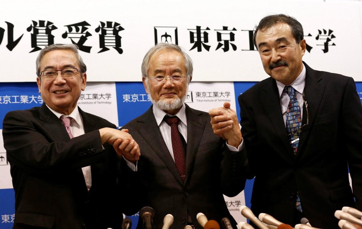 東京工業大學榮譽教授大隅良典日前獲頒諾貝爾生理學醫學獎,為日本第 22 人於自然科學界奪得桂冠。 圖片來源:路透社