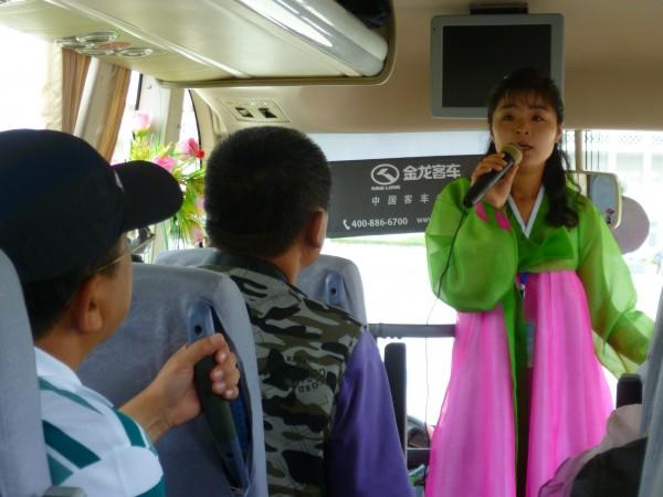 北韓團的導遊能操一口流利國語。圖片來源:flickr