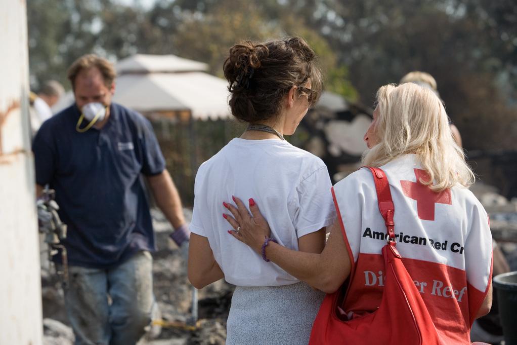 美國人不只捐錢捐物資,部份人更會親力親為,到災場充當義工。 圖片來源:Andrea Booher/FEMA