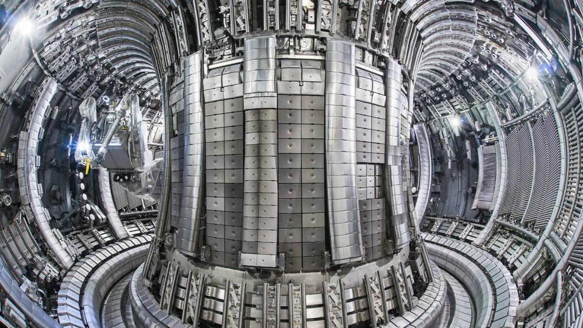 Culham 研究所的環磁機內部。 圖片來源:英國原子能機構