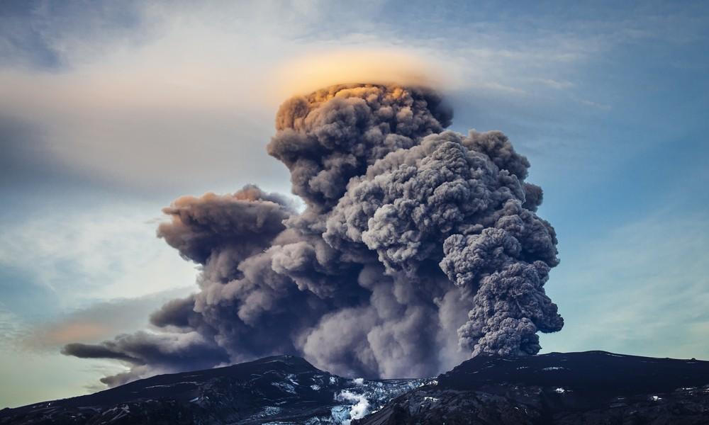 冰島火山爆發有弊有利。