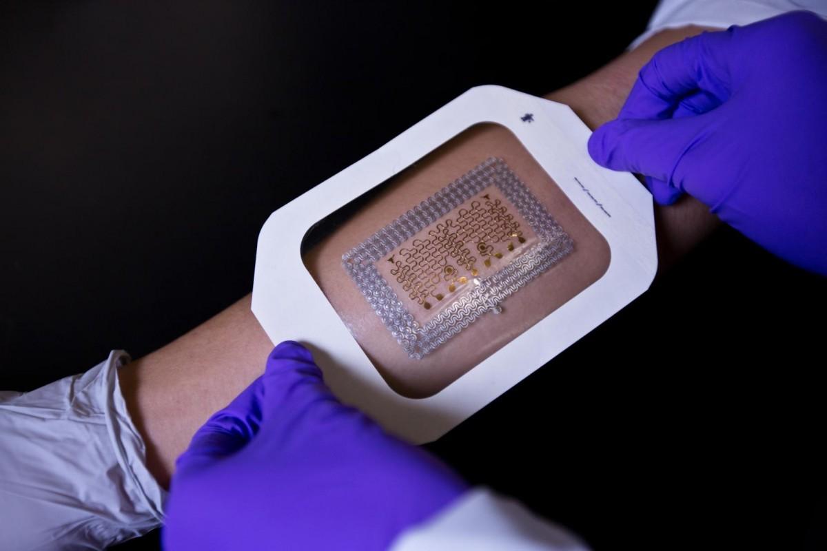 監察貼紙的製作成本廉宜,卻比現時任何一款儀器都要精確。 圖片來源:Cockrell School of Engineering