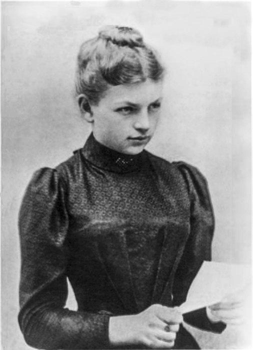哈伯的第一任妻子 Clara Immerwahr,是少數當時取得化學博士學位的女科學家,在一戰後自殺而亡。 圖片來源:Wikimedia