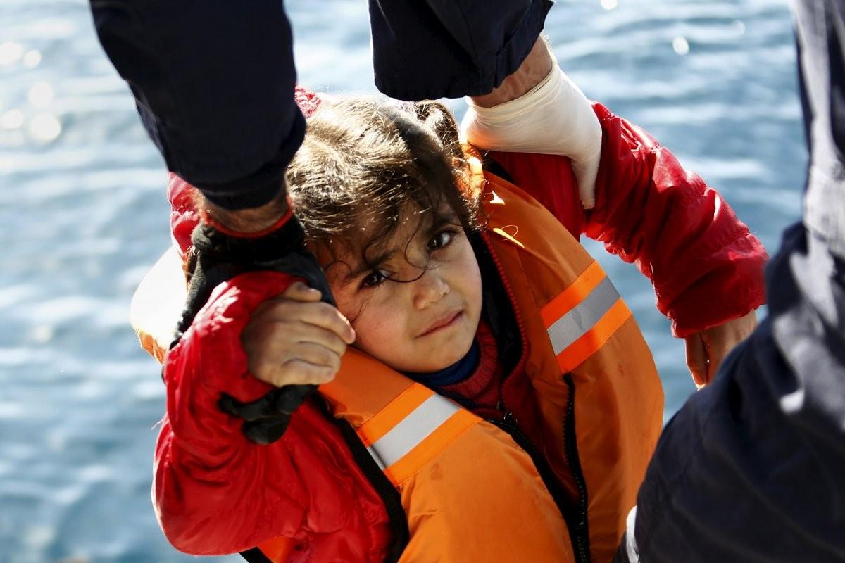 a-refugee-headed-towards-europe-on-february-8