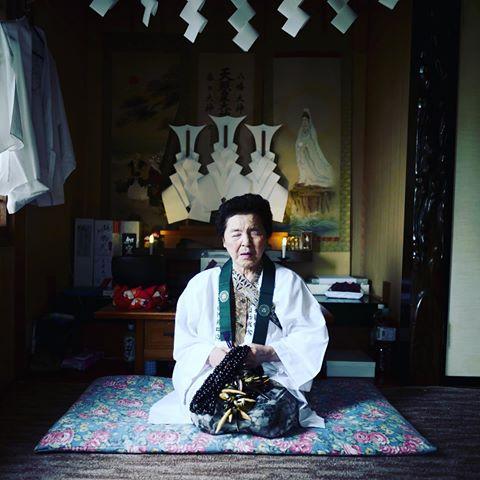 現役最老的潮來巫女中村竹。 圖片來源:x51 / Instagram