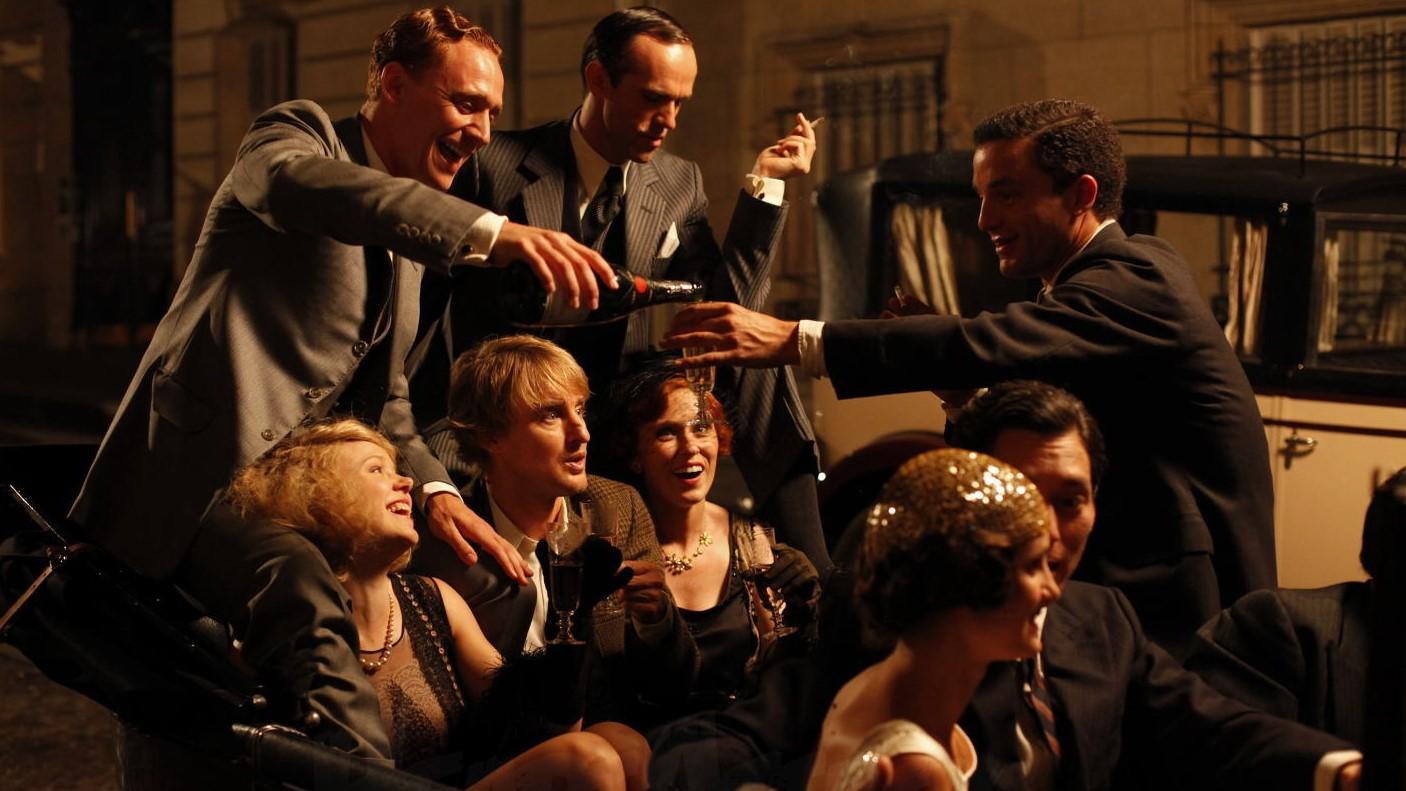 書中述說了的交滙網絡,最夢幻的情況,應該在電影「午夜巴黎」呈現了出來。