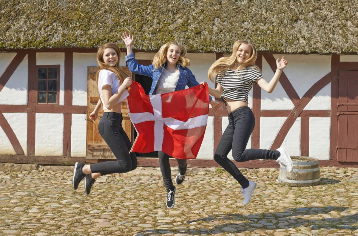 丹麥人願意交極高稅率,是否他們特別「大愛」?
