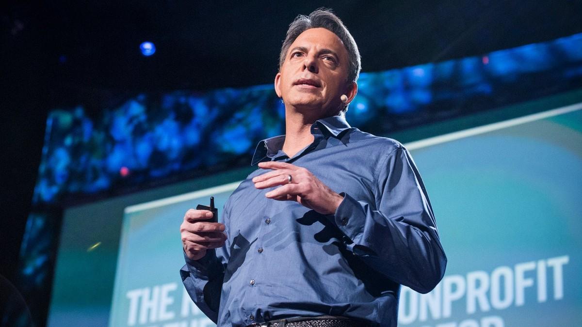 著名慈善家 Dan Pallotta: 指:我們看待慈善機構的方法錯了(The way we think about charity is dead wrong)。