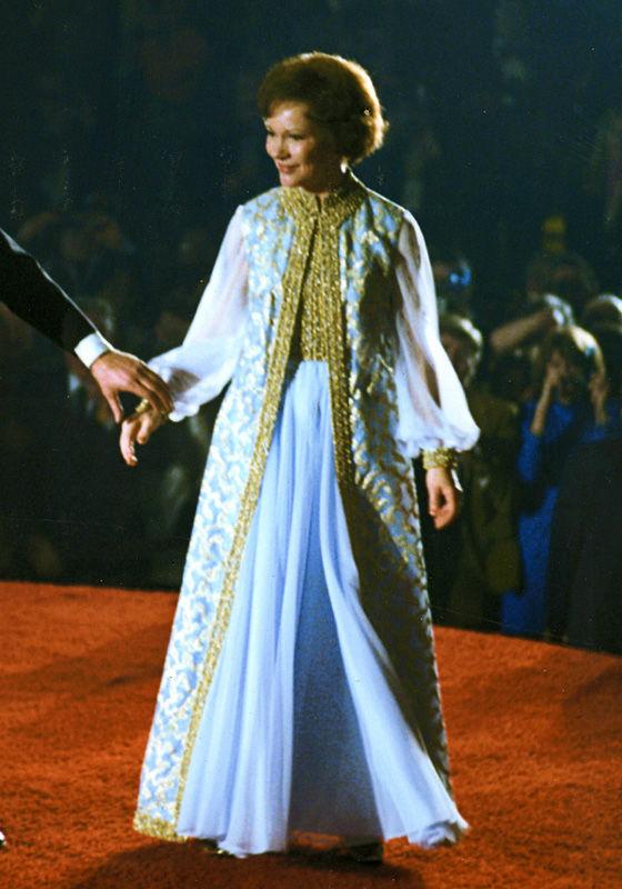 顧慮國家經濟不景,Rosalynn 重穿舊裙亮相舞會。 圖片來源:美國歷史國家博物館