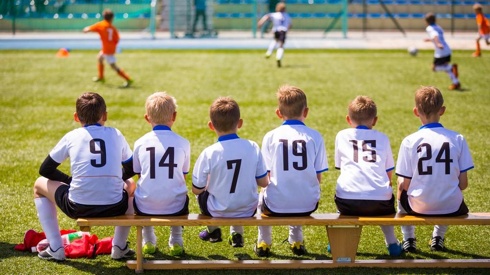 其實大多數男孩(甚或男人的一生),只要有波,他們便能專注及發泄無窮精力,這種常識,難道教師及家長不懂嗎?(圖片來源:Shutterstock)