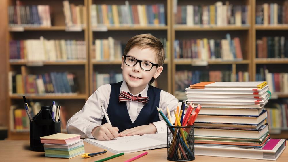 這張當然是創作圖片,如果真的在日常生活看到,請帶那男生(或/及其父母)及早求醫。(圖片來源:Shutterstock)