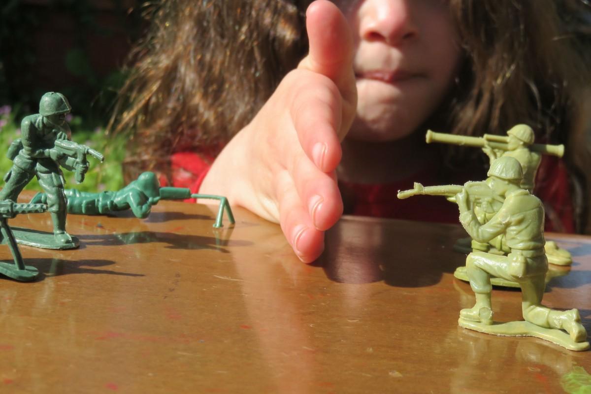 戰爭玩具到底是鼓吹戰爭,還是給小朋友先上一課?