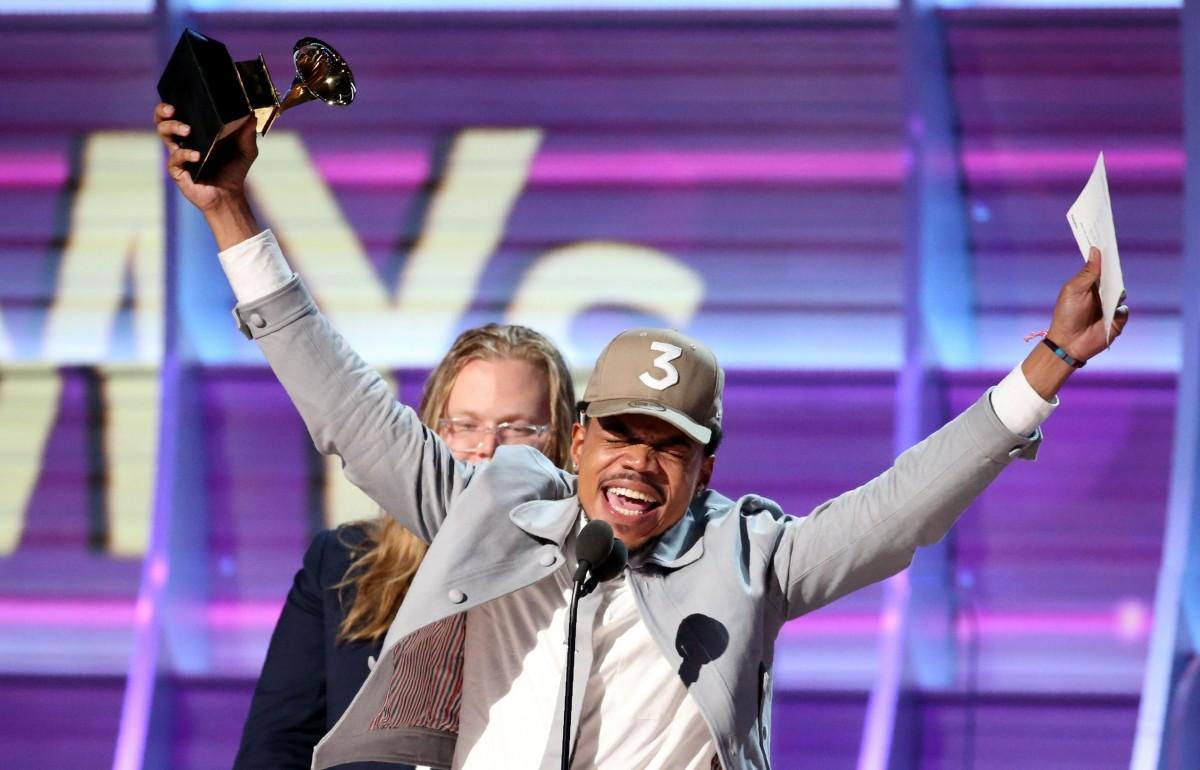 Chance the Rapper 領獎一刻。 圖片來源:路透社