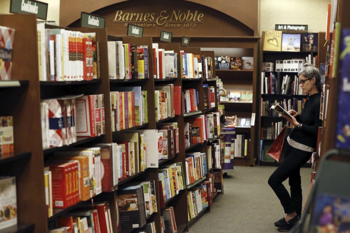 巴諾書店(Barnes & Noble)是美國最大的零售連鎖書店,以大型的實體零售書店聞名,亦是 Amazon 售書業務的主要競爭對手。 圖片來源:路透社