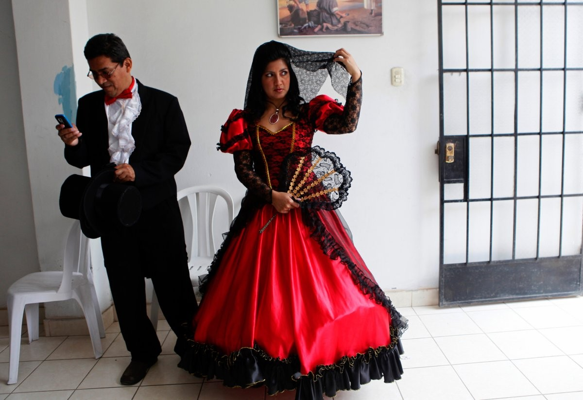 in-the-highlands-above-lima-peru-traditional-brides