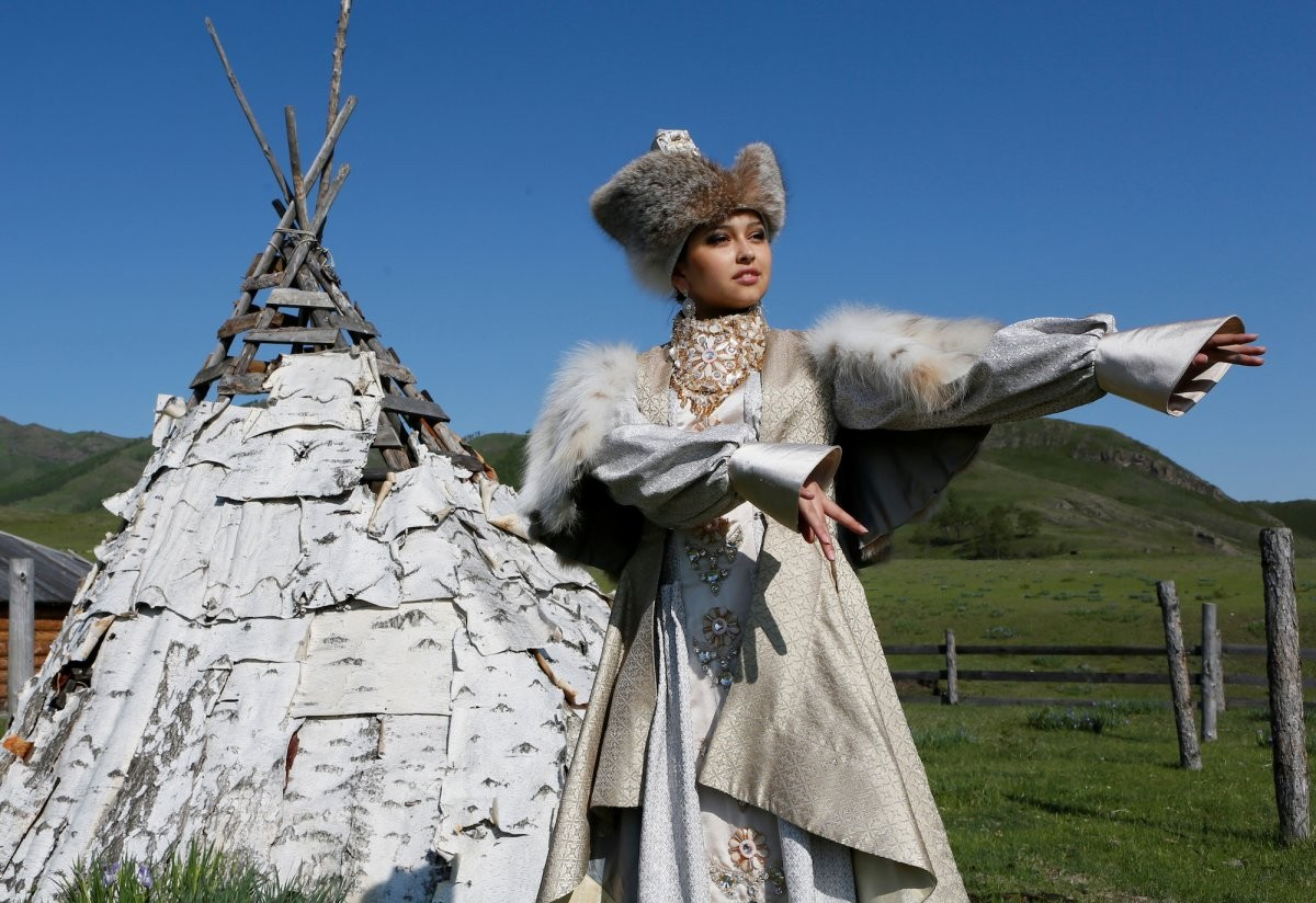 the-traditional-brides-costume-among-the-khakas-people
