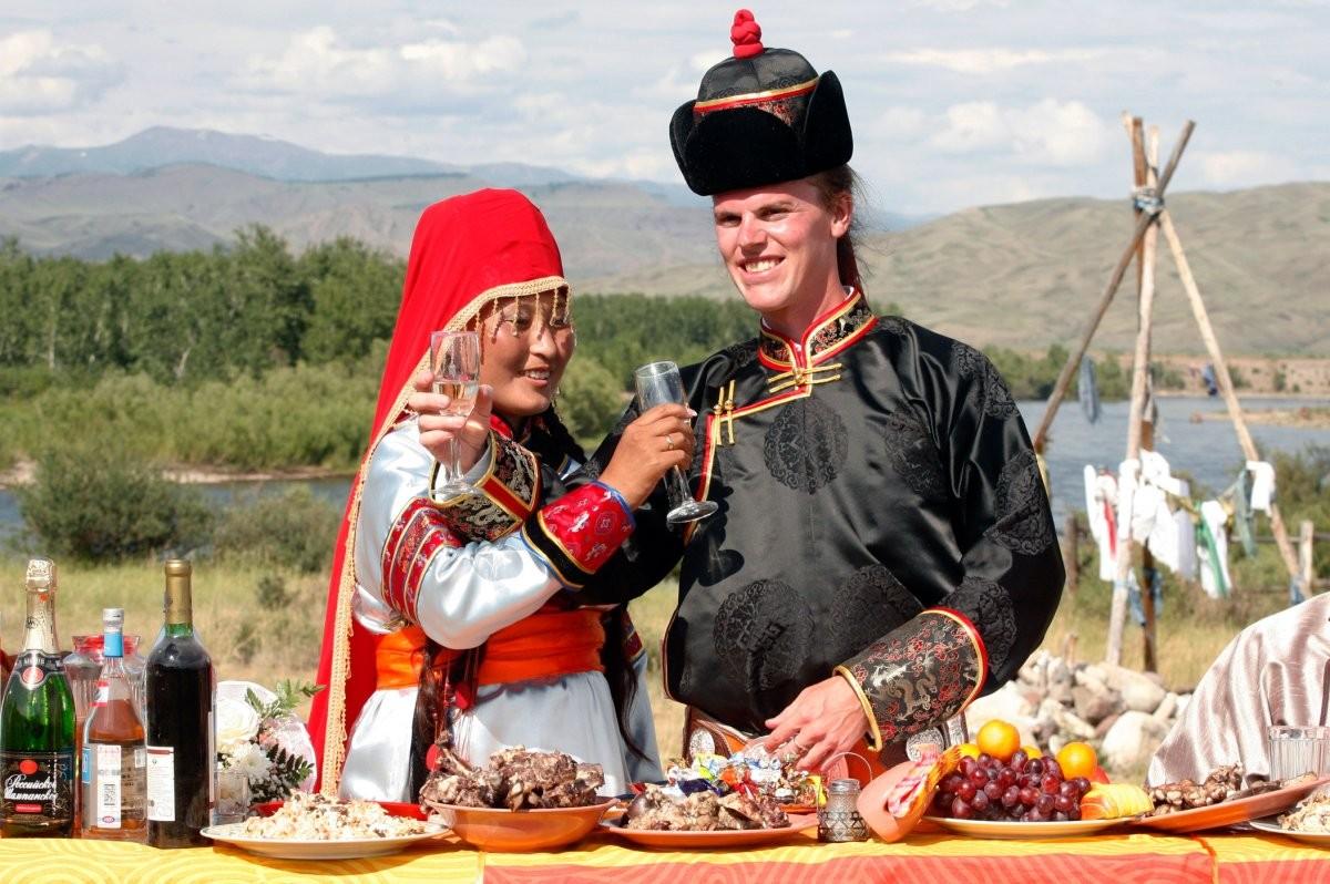 the-tuvan-national-costume
