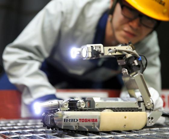 東芝研發的 Sasori 機械人。
