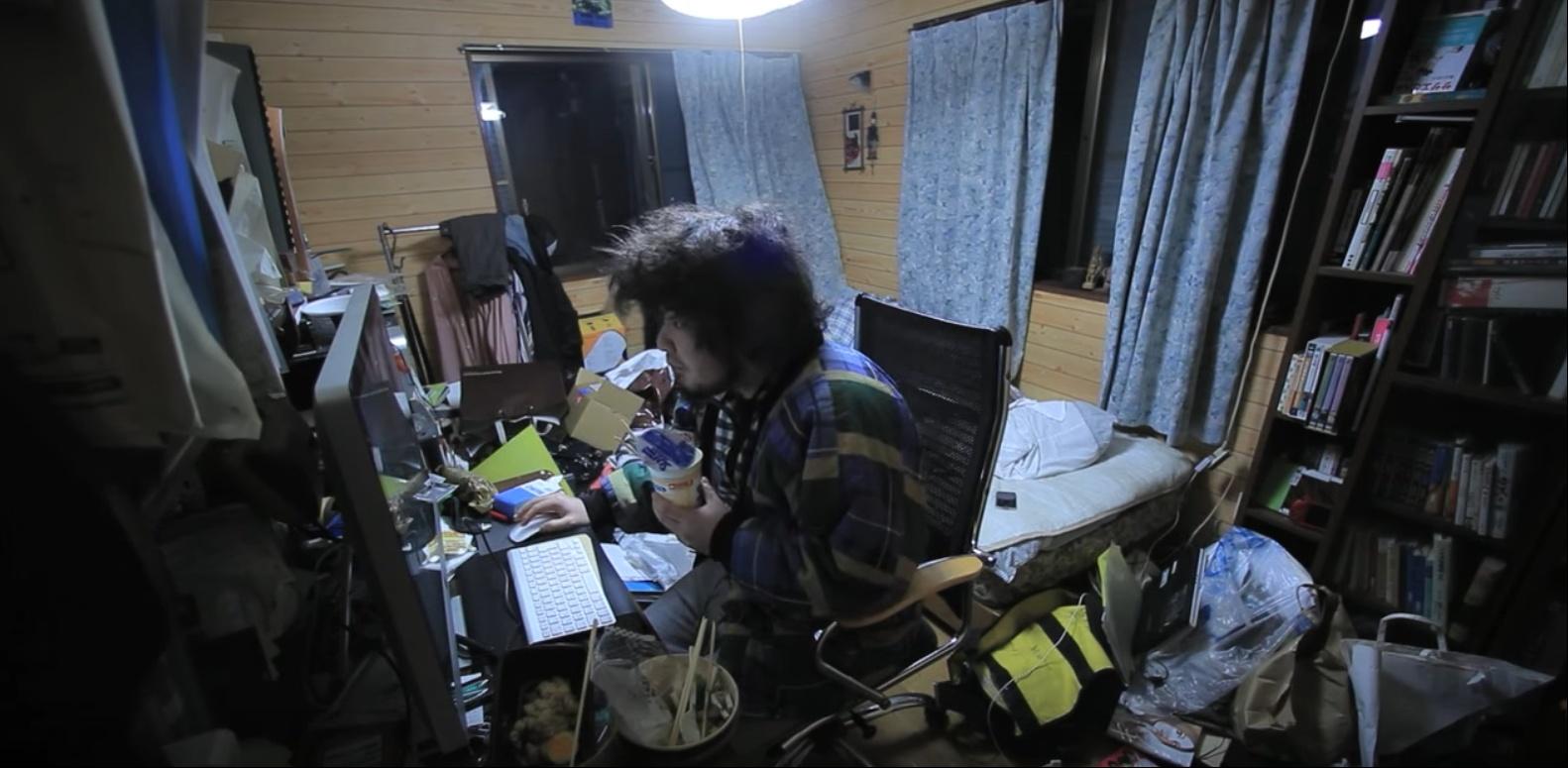 圖片來源:Daily life of a hikikomori 影片