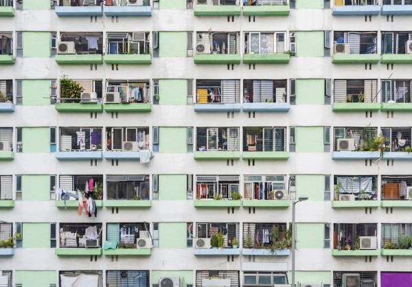 改變土地政策、倡行廉租房屋可是出路?