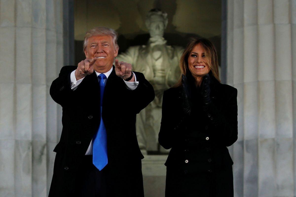 杜林普問:為何美國會發生內戰?答案在他背後。 圖片來源:路透社